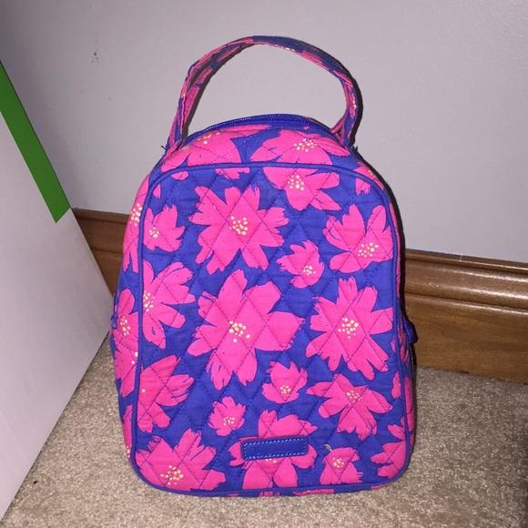 1c64c0a5cb Vera Bradley Art Poppies Pattern Lunch Box. M 5a4c27dfcaab446bba001e93